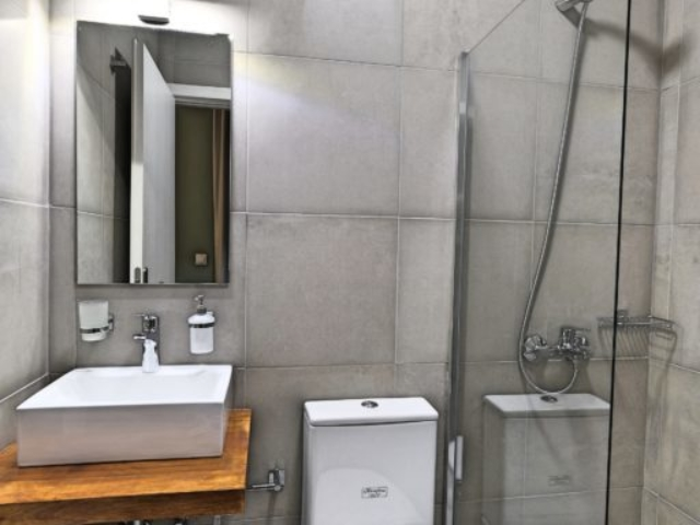 Budget Double Room Bathroom - Agora Residence - Hotel in Chios