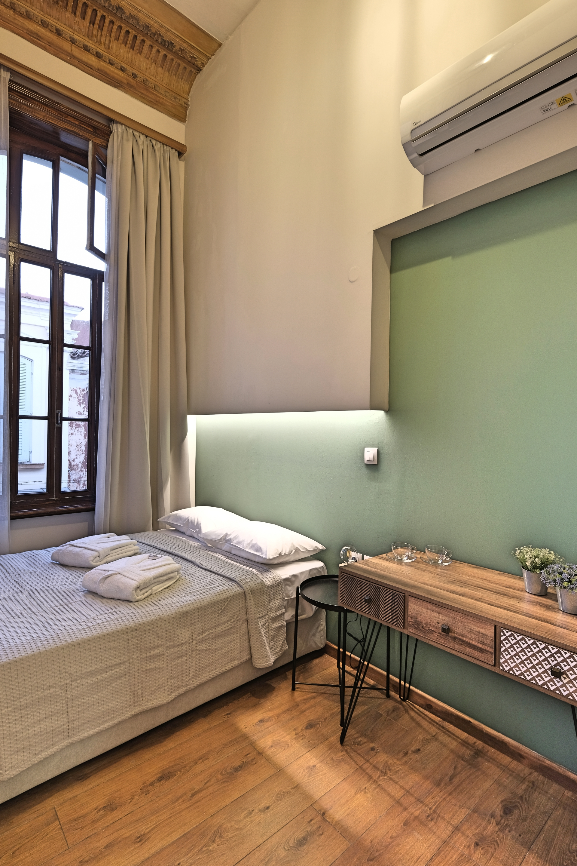 Budget Single Room Bed & Desk - Agora Residence - Hotel in Chios