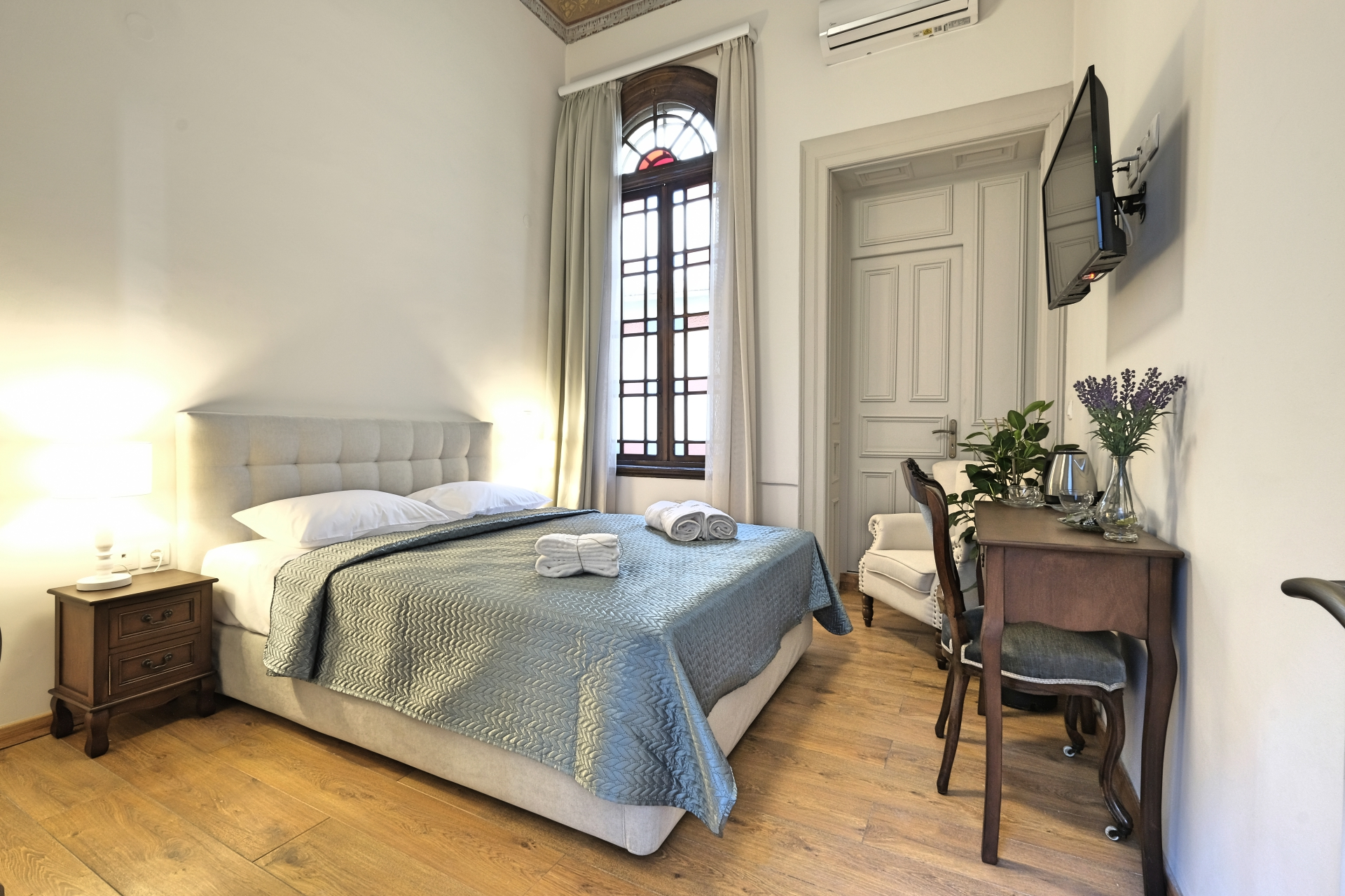Standard Double Room with Double Bed & Painted Ceiling 1 - Agora Residence - Hotel in Chios