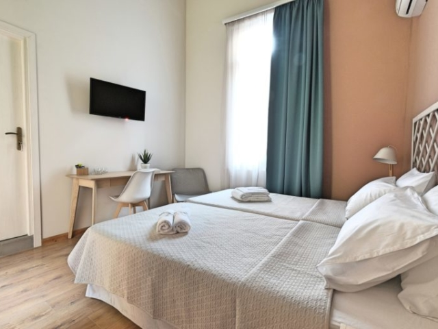 Standard Double Room with Twin Beds 3 - Agora Residence - Hotel in Chios