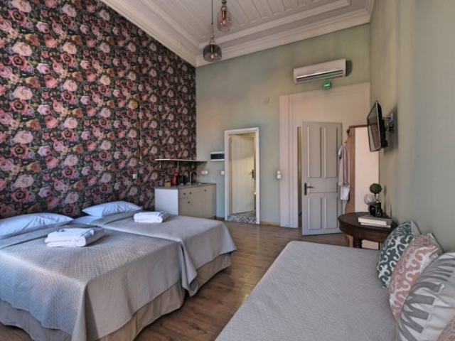 Superior Studio with Balcony Room 4 - Agora Residence - Hotel in Chios