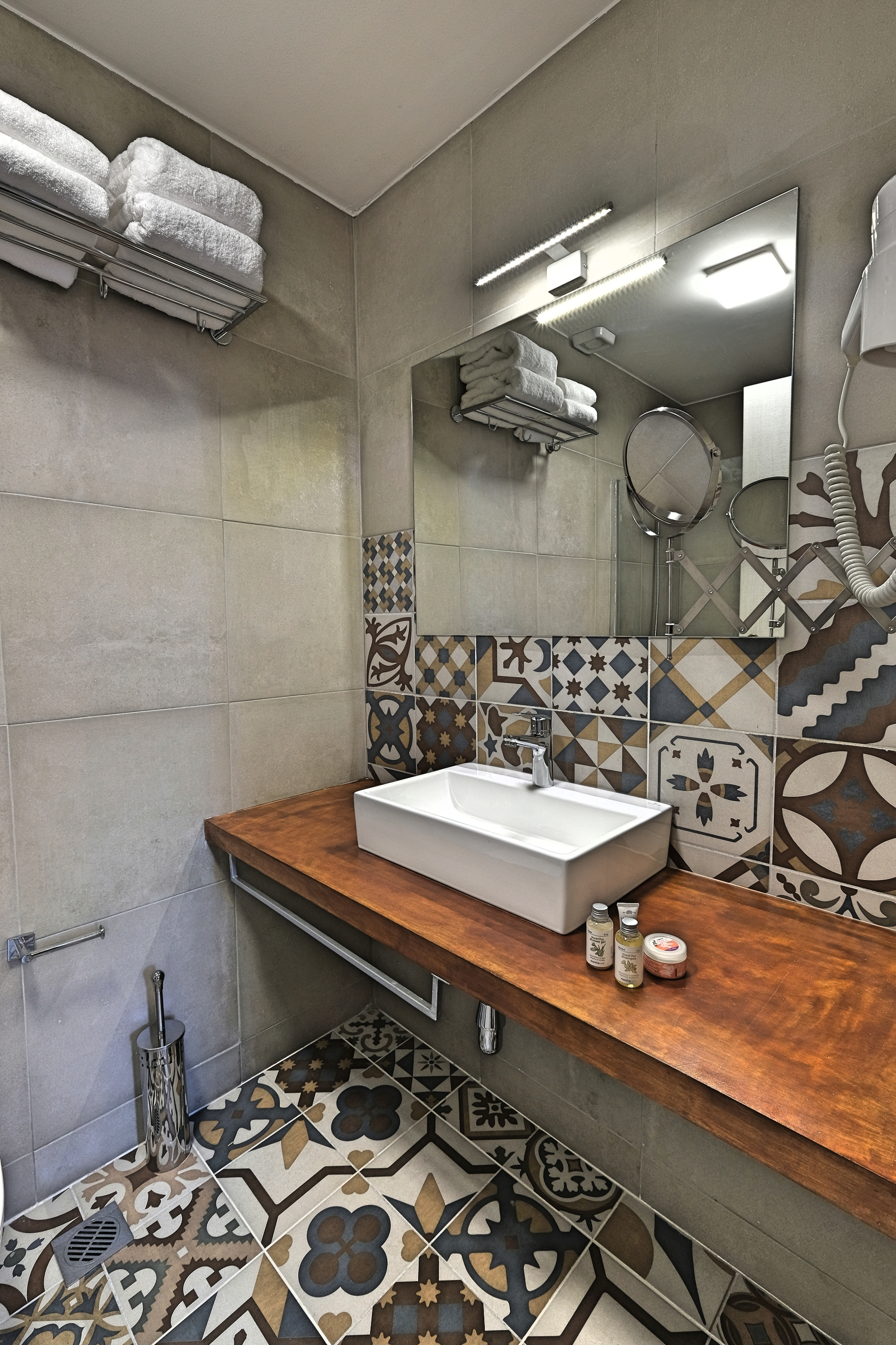 Superior Studio with Balcony Room Bathroom - Agora Residence - Hotel in Chios